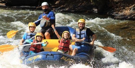 Rafting Alaya com tirolesas exclusivas