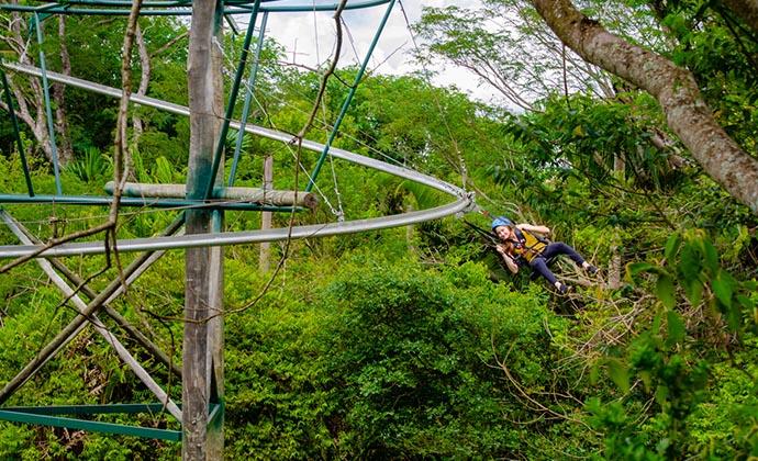 Skyrider: Curved zipline